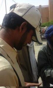 Un marchand ambulant venu d'Asie, au Mali. Crédit : Aubia.